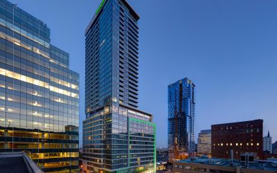 holiday-inn-hotel-and-suites-montreal-5094125891-4x3